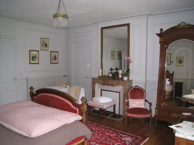 Chambre d 39 h tes en ch teau la chambre 1900 en picardie for Chambre d hotes picardie